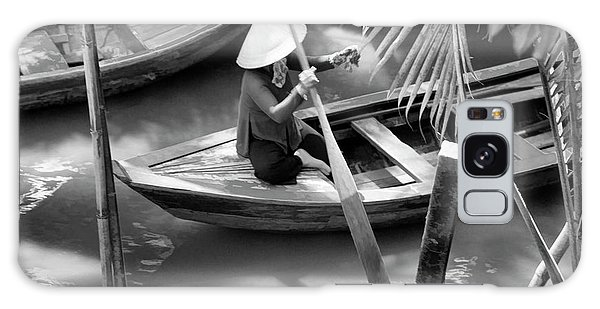 Vietnamese Woman Boat Ores Really For Tourist Mekong Delta  Galaxy Case