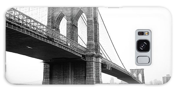 View Brooklyn Bridge With Foggy City In The Background Galaxy Case