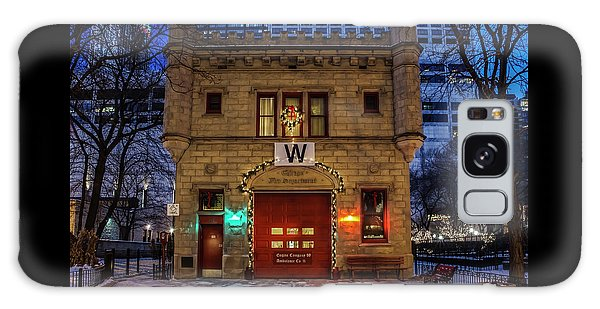 Vintage Chicago Firehouse With Xmas Lights And W Flag Galaxy Case