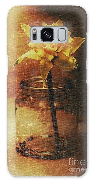 Vintage Daffodil Flower Art Galaxy Case