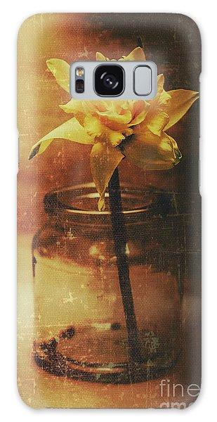 Faded Galaxy Case - Vintage Daffodil Flower Art by Jorgo Photography - Wall Art Gallery