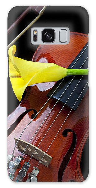 Violin With Yellow Calla Lily Galaxy Case
