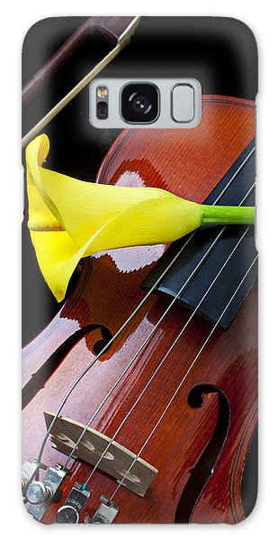 Violin Galaxy Case - Violin With Yellow Calla Lily by Garry Gay