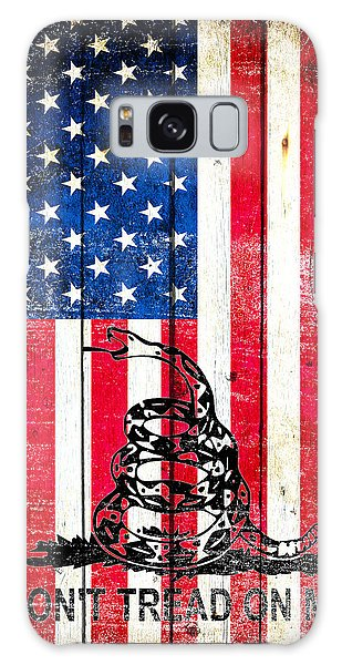 Viper On American Flag On Old Wood Planks Vertical Galaxy Case