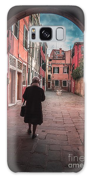 Walking Through Time - Venice, Italy Galaxy Case