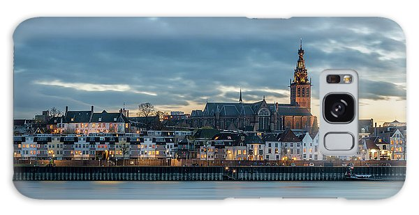 Watching The City Lights, Nijmegen Galaxy Case
