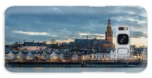 Watching The City Lights, Nijmegen Galaxy Case