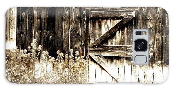 Weathered Barn Door Galaxy Case by Gray  Artus