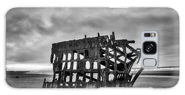 Peter Iredale Galaxy Case - Weathered Rusting Shipwreck In Black And White by Garry Gay