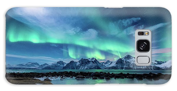 Ice Galaxy Case - When The Moon Shines by Tor-Ivar Naess