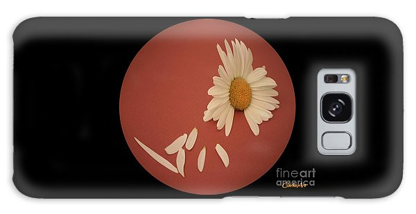 Encapsulated Daisy With Dropping Petals Galaxy Case