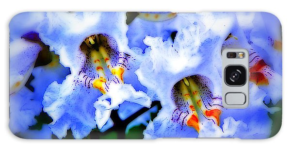 White Flowers Galaxy Case