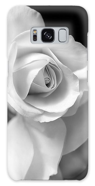 Marie Galaxy Case - White Rose Petals Black And White by Jennie Marie Schell