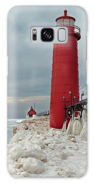 Winter At Grand Haven Lighthouse Galaxy Case