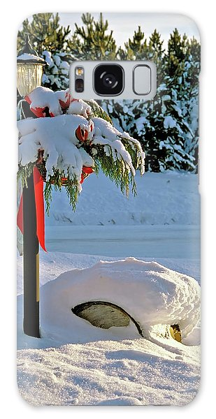 Winter Lamp Post In The Snow With Christmas Bough Galaxy Case