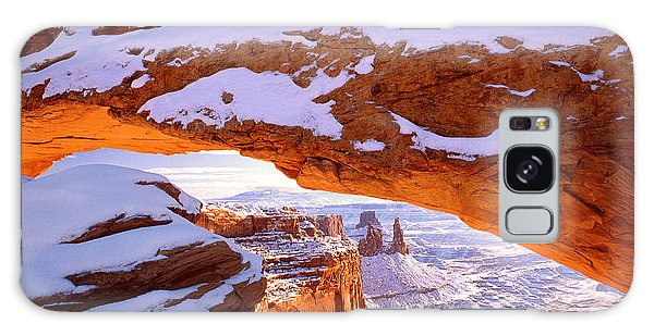 Islands In The Sky Galaxy Case - Winter Sunrise At Mesa Arch by Dan Norris