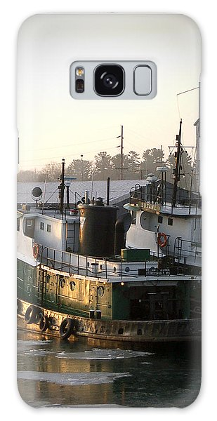 Winter Tugs Galaxy Case