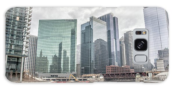 Wolf Point Where The Chicago River Splits Galaxy Case by Peter Ciro