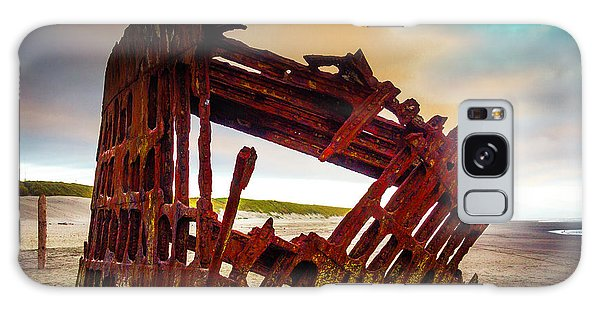Peter Iredale Galaxy Case - Worn Rusting Shipwreck by Garry Gay