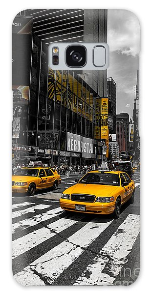 Yellow Cabs Cruisin On The Times Square  Galaxy Case
