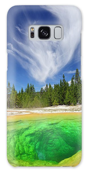 Yellowstone's Morning Glory Pool Pool And Awesome Clouds Galaxy Case