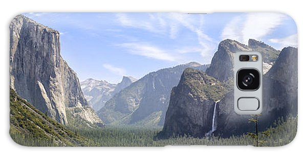 Environments Galaxy Case - Yosemite Valley by Francesco Emanuele Carucci