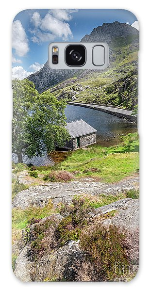 Galaxy Case - Lake Ogwen And Tryfan Mountain by Adrian Evans