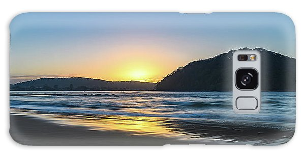 Hazy Sunrise Seascape Galaxy Case