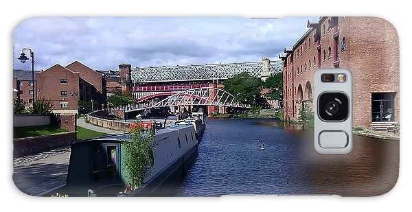 13/09/18  Manchester. Castlefields. The Bridgewater Canal. Galaxy Case