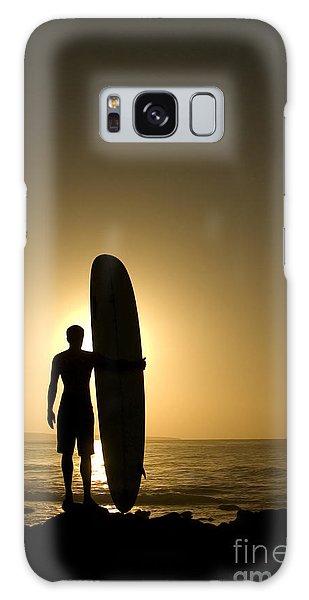 Dawn Galaxy Case - A Longboarder Watching He Waves At by Richard Clarke