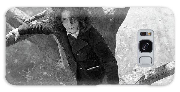 A Woman In A Tree, 1972 Galaxy Case