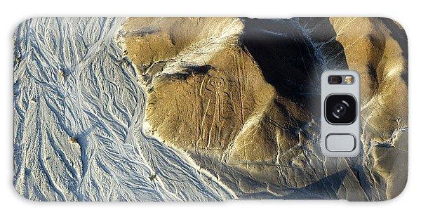 Plane Galaxy Case - Astronaut, Nazca Lines In Peru by Faberfoto-it