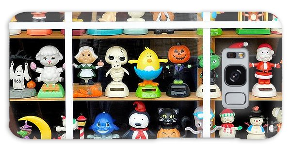 Bobbleheads In Store Window In Schroon Lake Ny In Adirondacks Galaxy Case