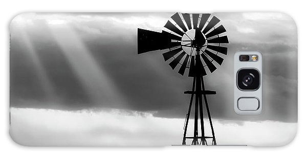 Bw Windmill And Crepuscular Rays -01 Galaxy Case