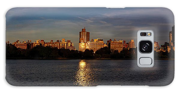Central Park Reservoir At Sunset Looking Eas Galaxy Case
