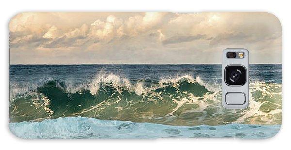Crashing Waves And Cloudy Sky Galaxy Case