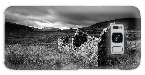 Cottage Galaxy Case - Crofters Cottage Ruin by Dave Bowman