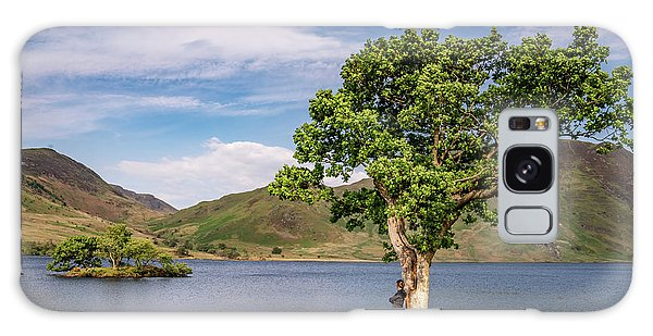 Crummock Water View Galaxy Case