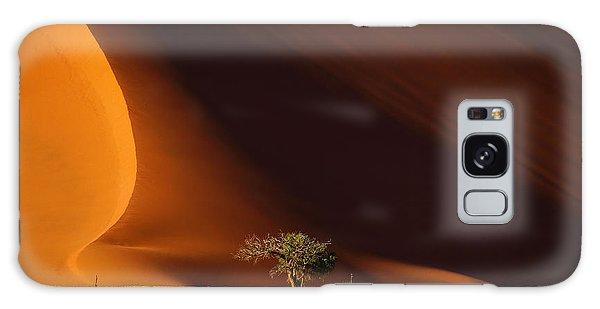 Tall Galaxy Case - Dune 40 And Tree, Sossusvlei, Namib by Efimova Anna