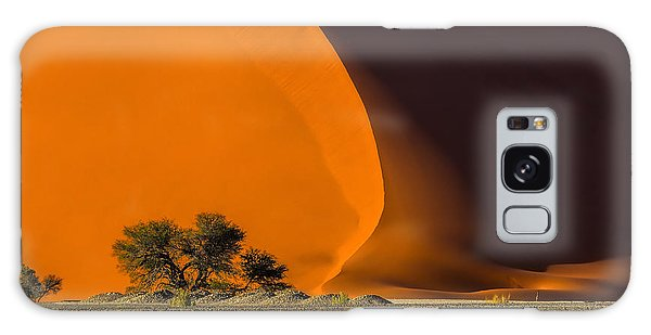 Horizontal Galaxy Case - Dune 40 And Trees At Sunrise by Efimova Anna
