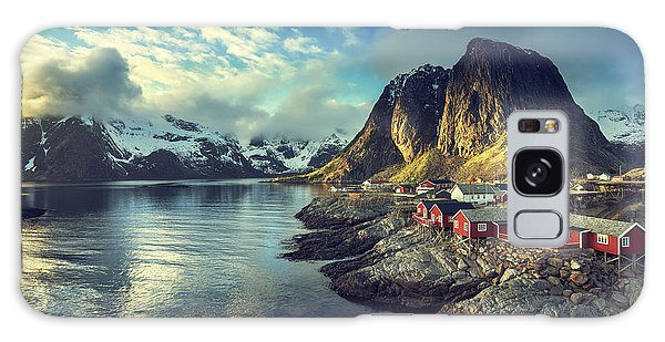 Cottage Galaxy Case - Fishing Hut At Spring Sunset - Reine by Esb Professional