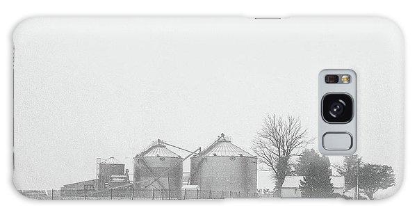 Foggy Farm Galaxy Case