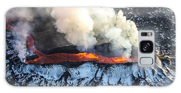Active Galaxy Case - Icelandic Volcano Eruption by Nathan Mortimer
