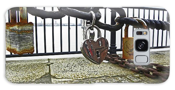 Liverpool. The Albert Dock. Eternal Love. Galaxy Case