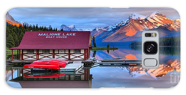 Maligne Lake Sunset Spectacular Galaxy Case