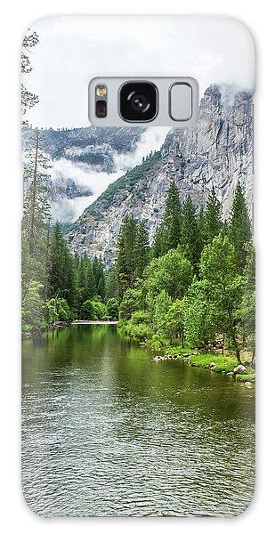 Misty Mountains, Yosemite Galaxy Case