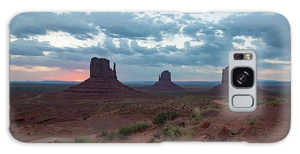 Monument Valley Before Sunrise Galaxy Case