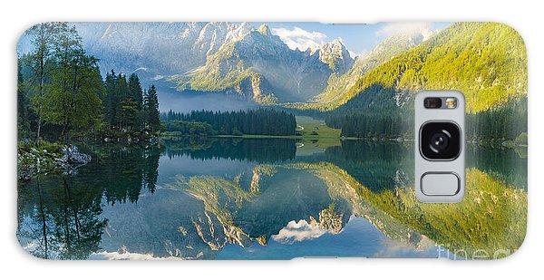 Moraine Lake Galaxy Case - Mountain Lake,laghi Di Fusine,italian by Mike Mareen