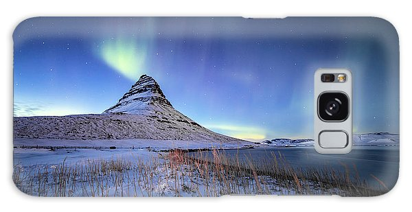 Northern Lights Atop Kirkjufell Iceland Galaxy Case
