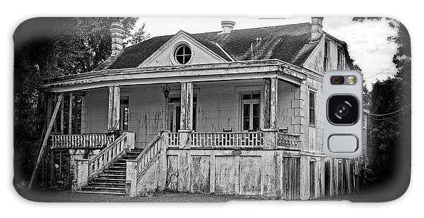 Old House Black And White Galaxy Case